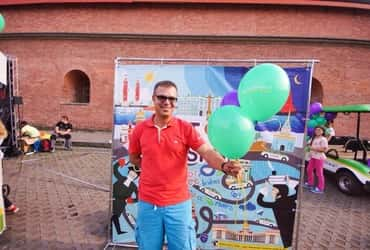 «ТаксовичкоФ» и «ГрузовичкоФ» показали кино под открытым небом