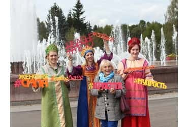«ТаксовичкоФ» и «ГрузовичкоФ» поддержали фестиваль «Бабье лето»