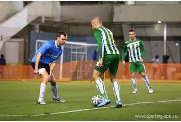 Футболисты «ГрузовичкоФ» сыграли первый матч в новом году