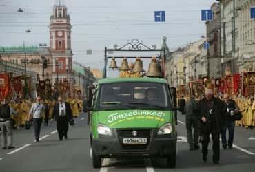 Группа компаний «ГрузовичкоФ» и «ТаксовичкоФ» поддержали крестный ход