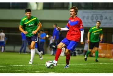 Футболисты «ГрузовичкоФ» продолжают борьбу за призы Спортинг-лиги