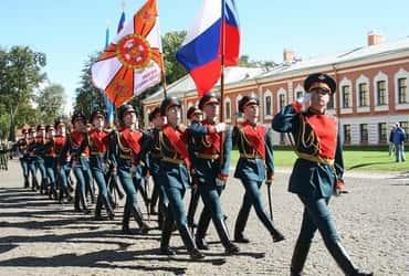 «ГрузовичкоФ» и «ТаксовичкоФ» поздравили ветеранов с Днем российской гвардии