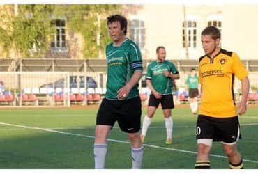 «ГрузовичкоФ» преодолел шестой тур чемпионата города