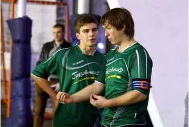 «ГрузовичкоФ» преодолел тринадцатый тур городского чемпионата по футболу