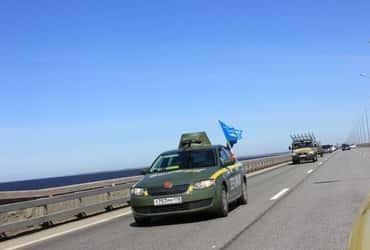 «ГрузовичкоФ» и «ТаксовичкоФ» приняли участие в праздничном автопробеге