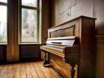 Как перевезти пианино бережно и аккуратно: практические рекомендации