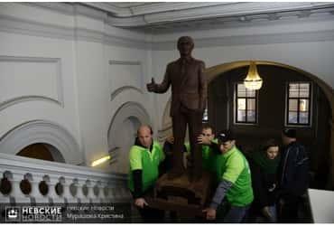 Скульптуру шоколадного Путина представили на выставке в Петербурге