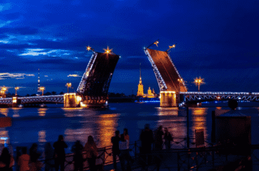 Петербургу нужен День мостов