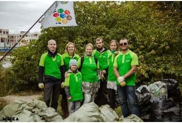 Водители «ГрузовичкоФ» помогли экологам