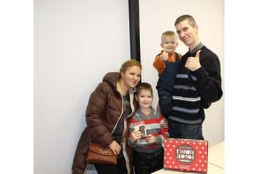 Дети сотрудников «ГрузовичкоФ» и «ТаксовичкоФ» получили подарки